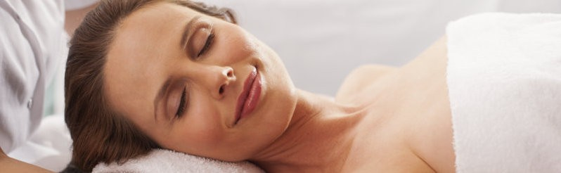 From stress-melting massages to heavenly facials. Our Wellnesspark offers a wide range of high-quality treatments.