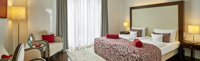 Modern interior and a distinguished atmosphere. Enjoy the special character of the rooms and suites of Hotel Elbresidenz.