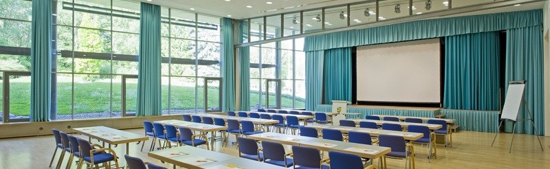 Large congresses, creative workshops or closed meetings. The versatile function rooms offer the perfect space for all sorts of events.