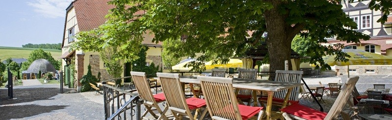 Historic ambience, friendliness and hospitality are the ingredients for a perfect stay in Auerstedt. Experience serenity and relaxation.