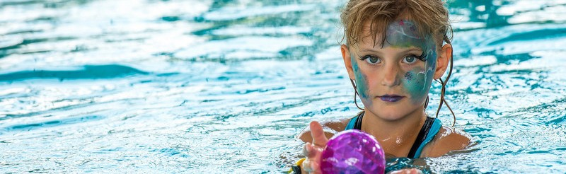 : This special fairy tale program offers children the opportunity to feel like a magical water creatures and discover the mysterious underwater worlds in a playful way.