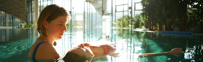 Aqua Wellness – gentle bodywork in warm water, an intense and relaxing journey. A true relief for your body. A water dance with massage and meditation.