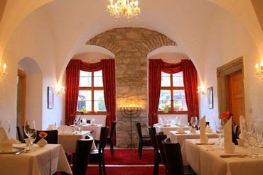 "Reinhardt's im Schloss - Restaurant ""Reinhardt's im Schloss"" stands for high-quality culinary delights and a creative mix of traditional cuisine and modern variations."
